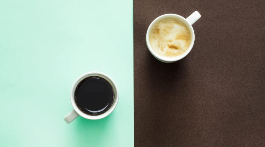Two cups of coffee side by side brewed by the K-Slim and K-Classic.